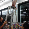 Samui residents needs urgent help for a cat suck in the roof of a 7 – 11