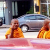 Monk flips off man who refuses to make donation to Buddhism