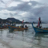 Duh! Samui hotels warn tourists about high waves and danger – but still they swim