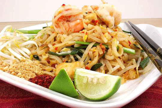 Pad Thai Noodles with Prawn | Samui Times