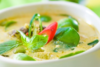 Green curry with Chicken | Samui Times