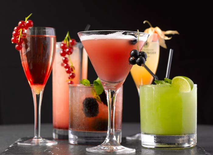 Free cocktails at the Premier Sports Bar! | Samui Times
