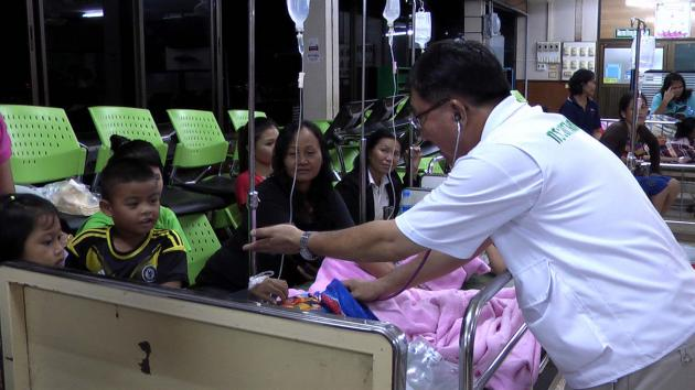 51 flood victims hospitalized after eating free food | Samui Times