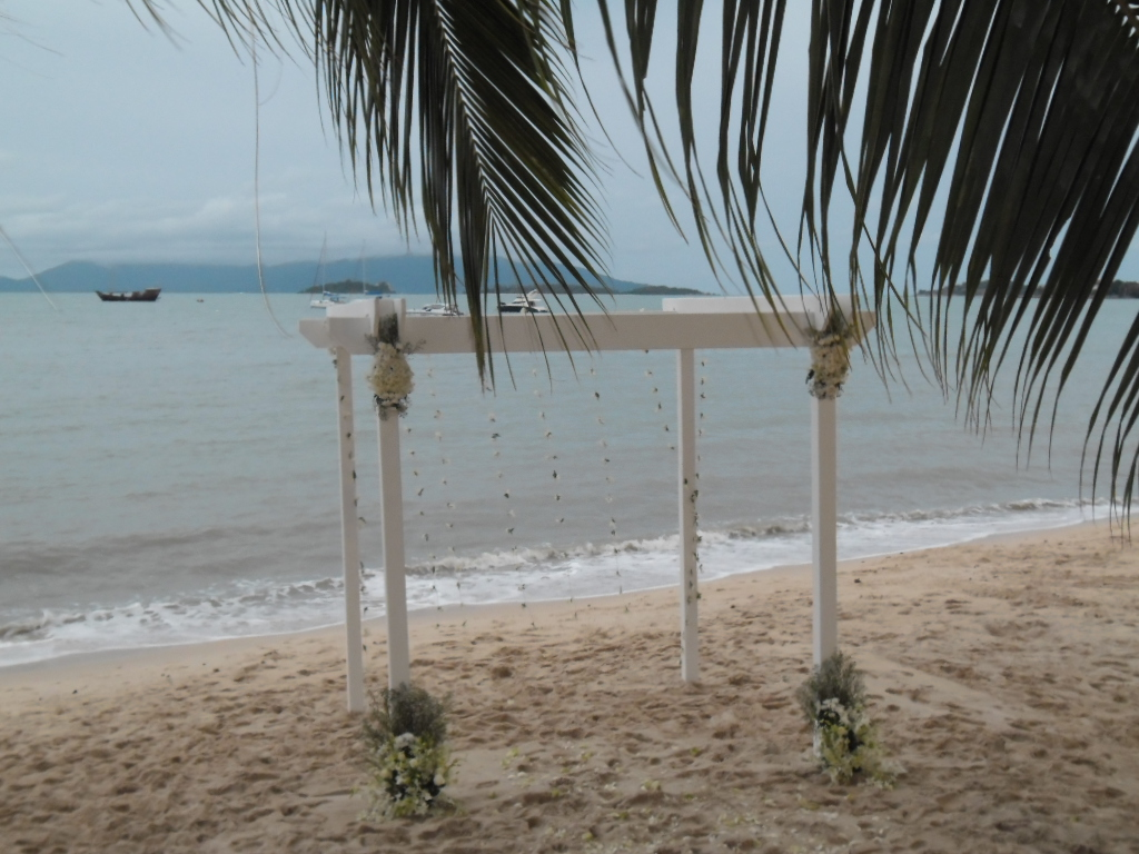 Planning your wedding from overseas with the help of a wedding planner – what is it really like? | Samui Times