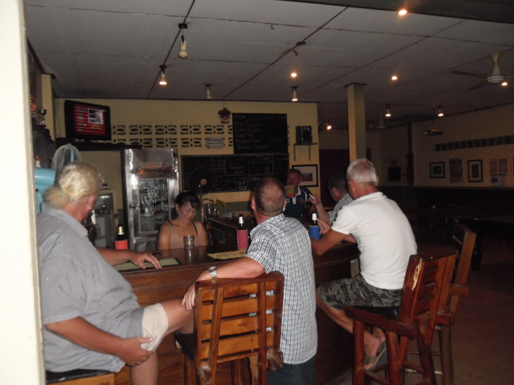 Barb's – a bar that is well worth a visit in Meanam | Samui Times