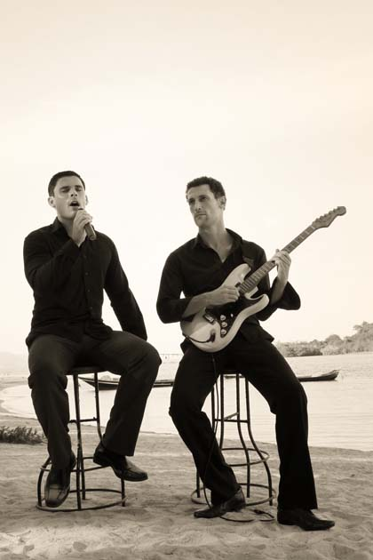 The Night Sessions – two very talented musicians | Samui Times