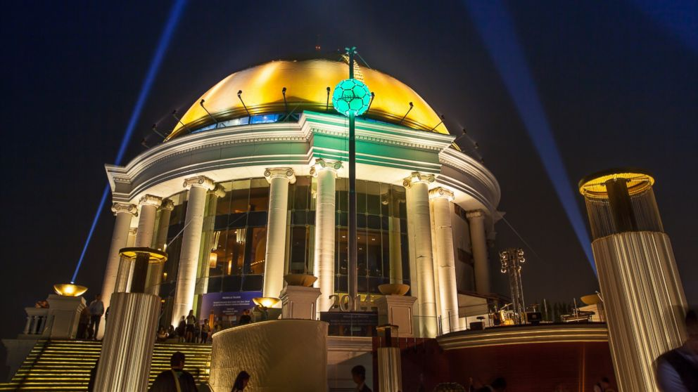 Spectacular Bangkok ball drop in the style of Time Square will announce the New Year   Samui Times