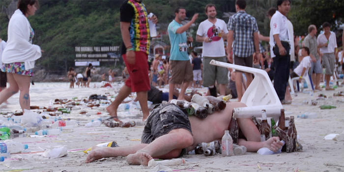 New documentary highlights the damage the Full Moon Party does to the environment | Samui Times