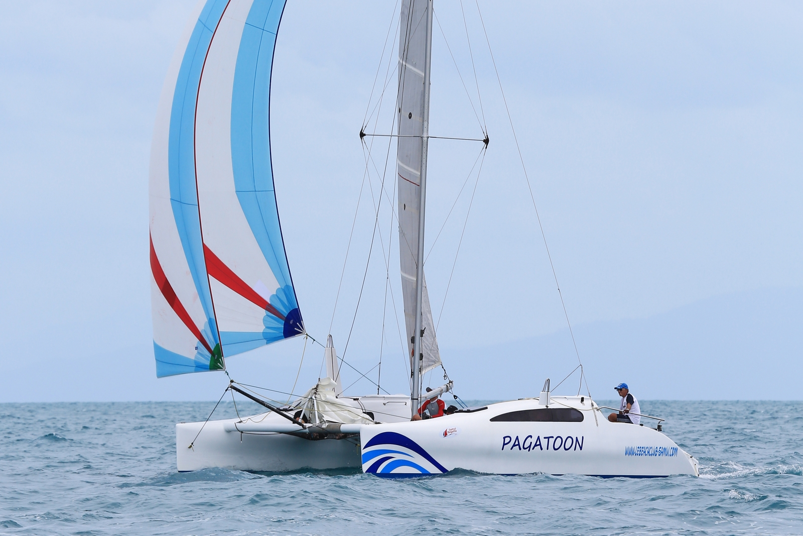 Le Beach Club – the perfect place to learn to sail | Samui Times