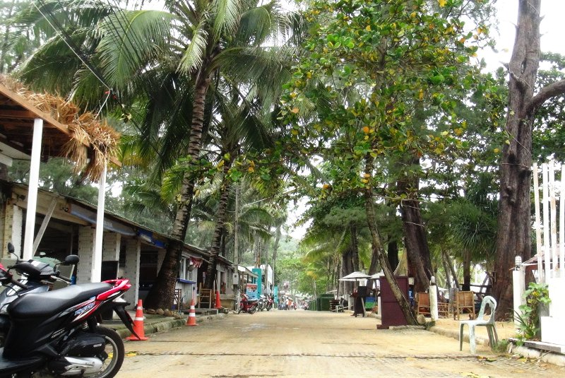 Phuket's Surin Beach 'may be stripped of all businesses' | Samui Times