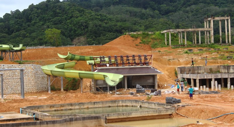 Large water park to open in Phuket next year | Samui Times