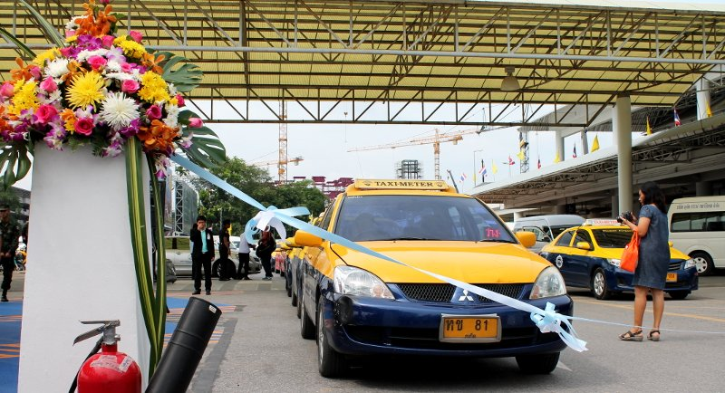 Phuket Airport gives meter taxis unfettered access | Samui Times