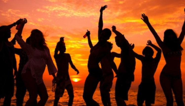 Beach parties banned throughout Surat Thani province | Samui Times