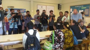 media storm at samui jail