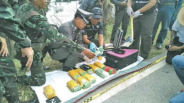 Suitcase with Bt30 million of ice found in a bush ten meters from the street | Samui Times