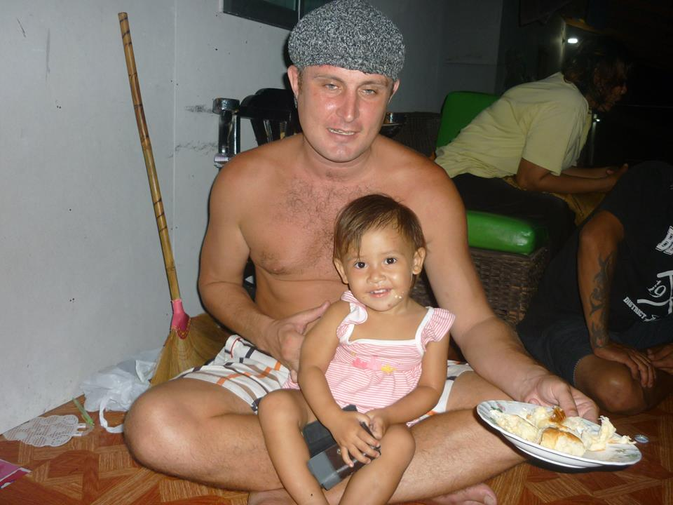 Concerns growing for a little girl and her father in Koh Samui | Samui Times