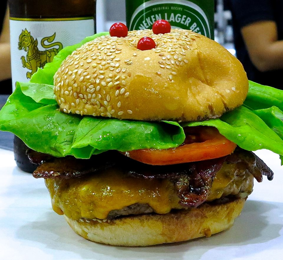 Attention – lovers of Cheese Burgers | Samui Times
