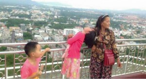 girl survives electric shock at Phuket view point