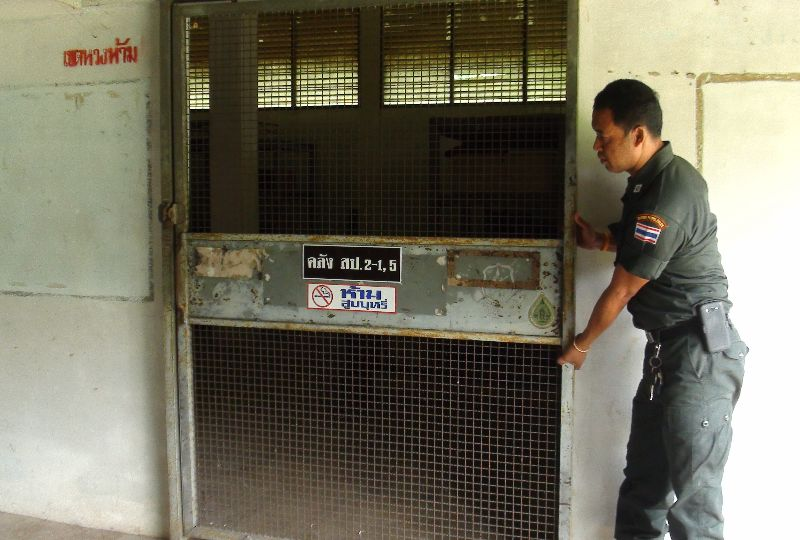 'Reckless' Teenagers Steal Rifles from Police Armory | Samui Times