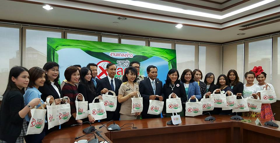 Recent anti-plastic bag campaign reduced 1.8 million bags in one day | Samui Times