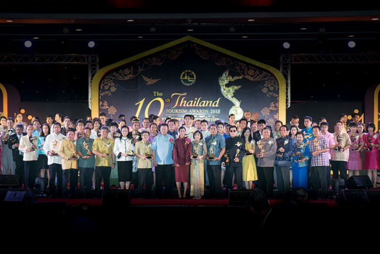 117 proud winners conferred 2015 Thailand Tourism Awards   Samui Times