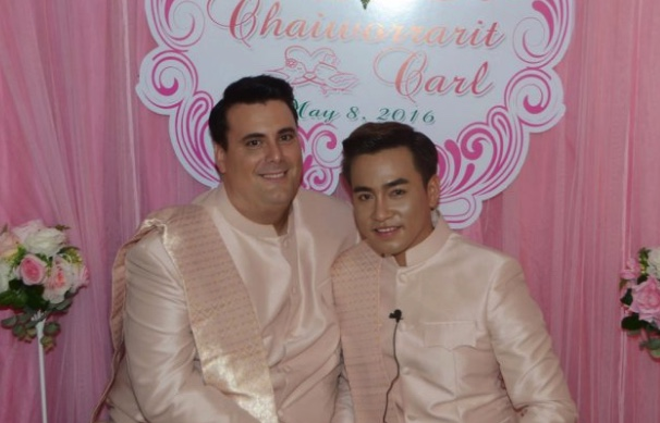 Englishman pays five million baht dowry as he marries Thai man he met on Facebook | Samui Times