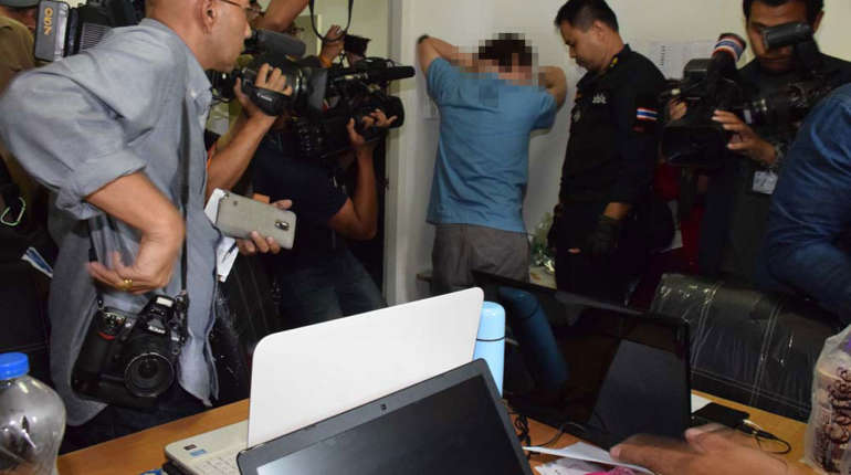 Call center taking millions in bets busted in Thonburi | Samui Times