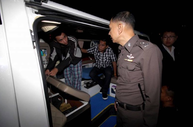 Drug courier tries to fool cops by delivering in an ambulance | Samui Times