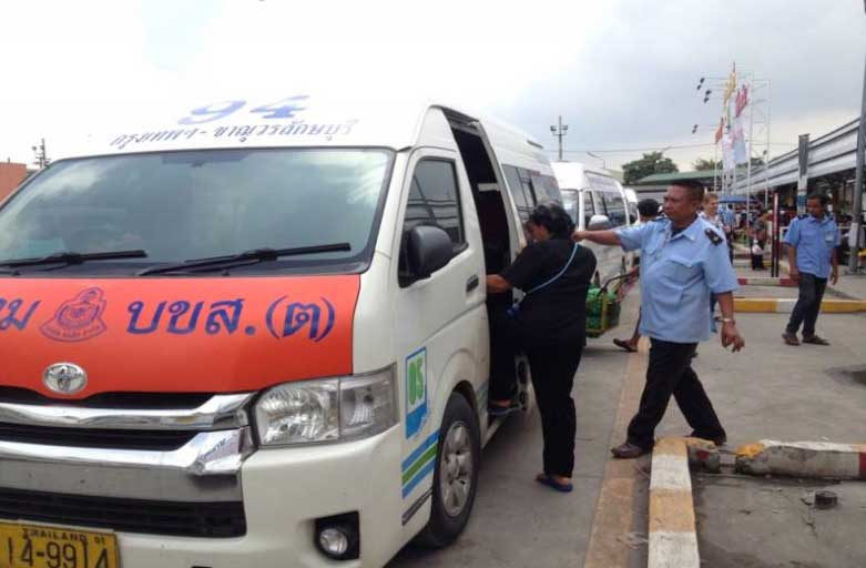 Public vans told to carry no more than 13 passengers | Samui Times