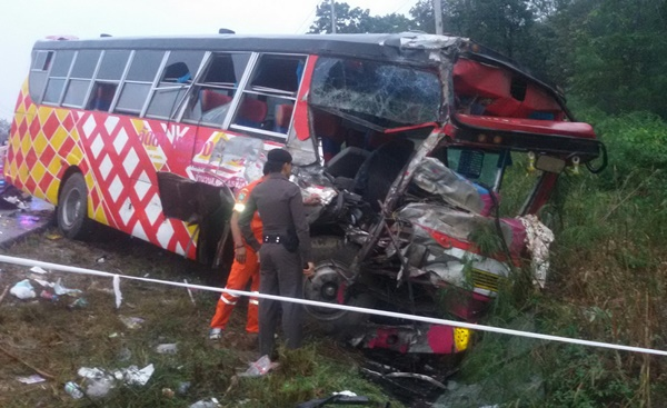 School bus driver dead as homeward bound students injured in 18 wheeler collision | Samui Times
