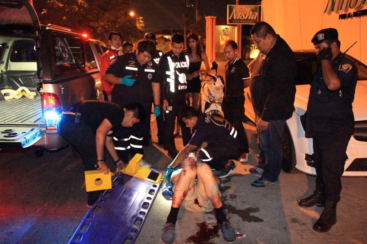 Another tanked up Brit ends up in a bloodied heap outside Pattaya pub | Samui Times