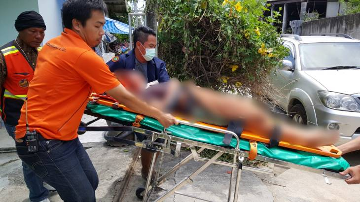 Hunt on for father who slashed teenage daughter's throat then locked the door and fled | Samui Times