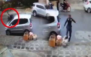Mad cop caught on tape - now he wants to get the Facebook poster!   News by Samui Times