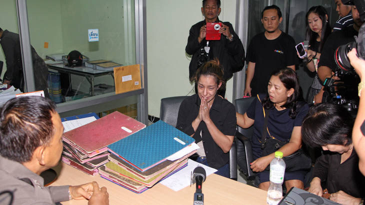 Thai/British actress and cop killer sobs as 20,000 baht bail posted | Samui Times