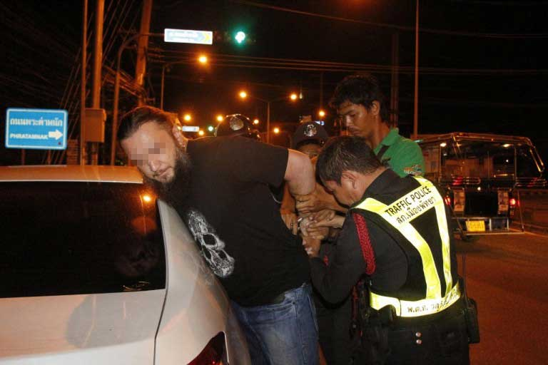 Russian couple resist arrest in Pattaya alcohol stop | Samui Times