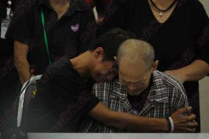 Tears of joy as father and runaway son reunited after 15 years | News by Samui Times