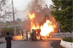Driver escapes as ethanol tanker explodes on bend in Friendship Highway | News by Samui Times