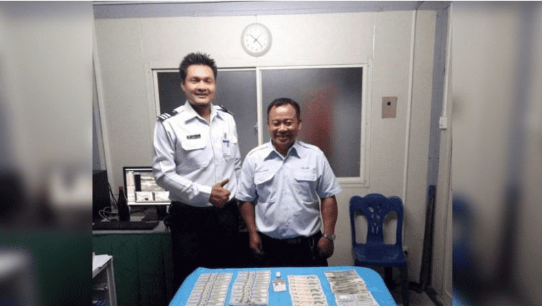 Cabbie returns THB100,000 to tourist, turns out money was for cancer treatment | Samui Times