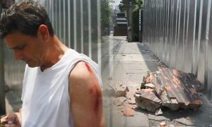 Foreigner in lucky escape as wall falls on him on footpath in Bangkok | News by Samui Times