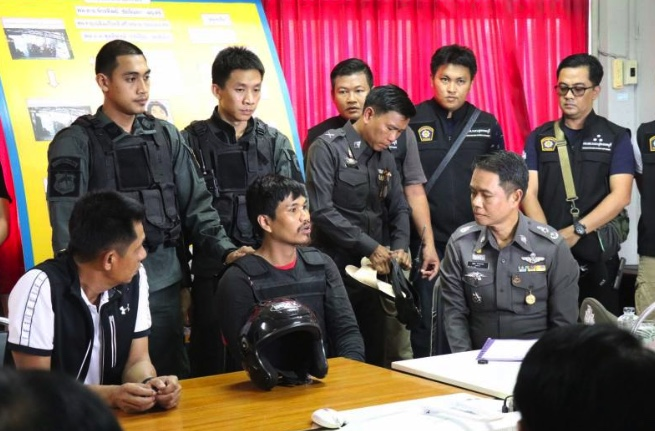 Gunman arrested in shooting of minimart owner and wife in Suphanburi | Samui Times