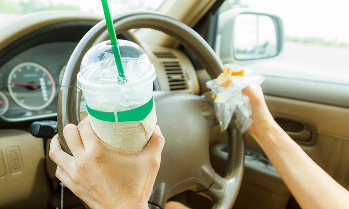 """""""Applying make-up and eating while driving quite alright"""" says top Bangkok cop 