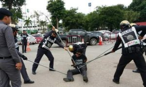 Cops reveal stick method to subdue suspects   News by Samui Times