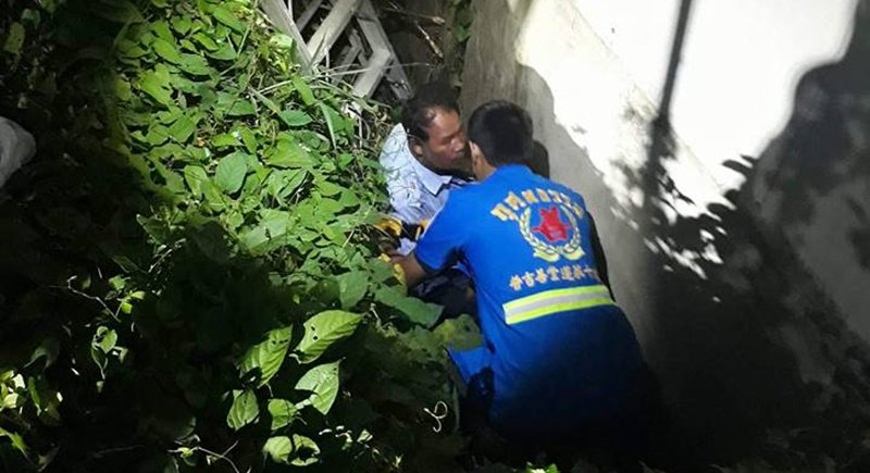 Phuket drunk rescued after falling in ditch while taking a pee | Samui Times