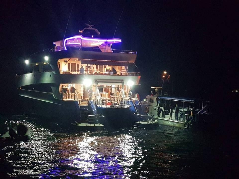 Five Thai tourists drown when snorkeling boat sinks in Chumphon Bay   Samui Times