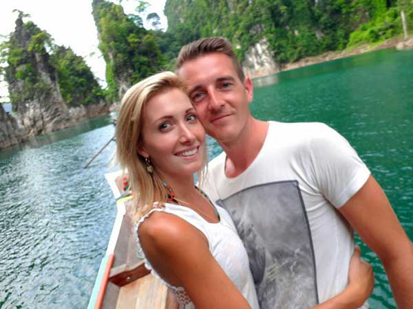 "Belgian couple say they were robbed by ""Thai police"" 
