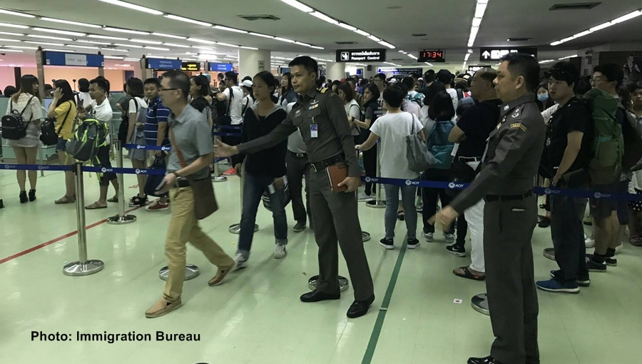 200 more immigration officials deployed at Don Mueang and Suvarnabhumi airports | Samui Times