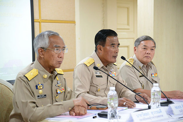 Deputy BKK Governor meets Municipal Chiefs on rewards for littering reports | Samui Times