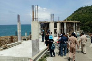 Stop building now - luxury Phuket villa named and shamed on social media ordered halted | News by Samui Times