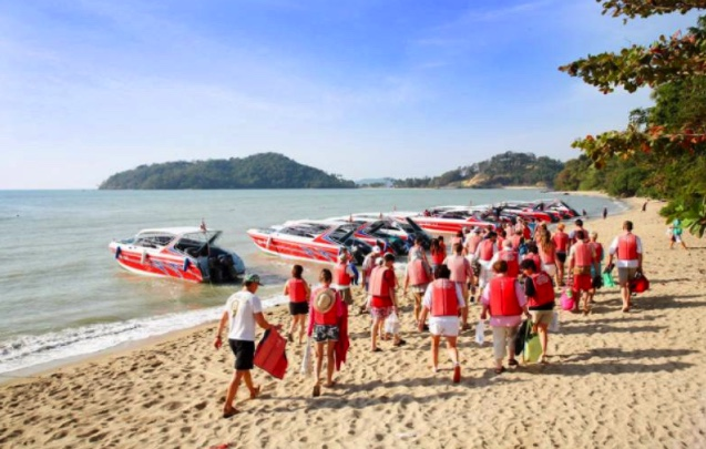 Government asks Tourism ministry to come up with some cheap travel insurance options to pull in more tourists | Samui Times