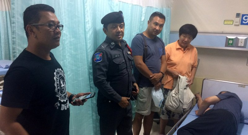 Chinese tourist survives fall after Patong Beach parasail tree tangle | Samui Times